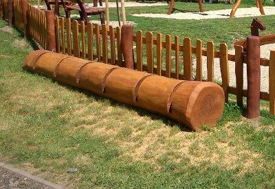 Dřevěný stojan na kola